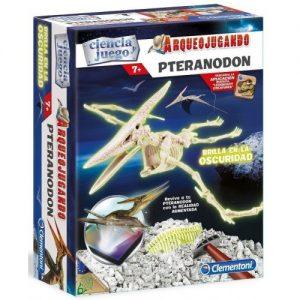 Arqueojugando, Pteranodon, descubre los fosiles y monta el temido dinosaurio, además brilla en la oscuridad