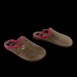 Zapatillas color gris y rosa
